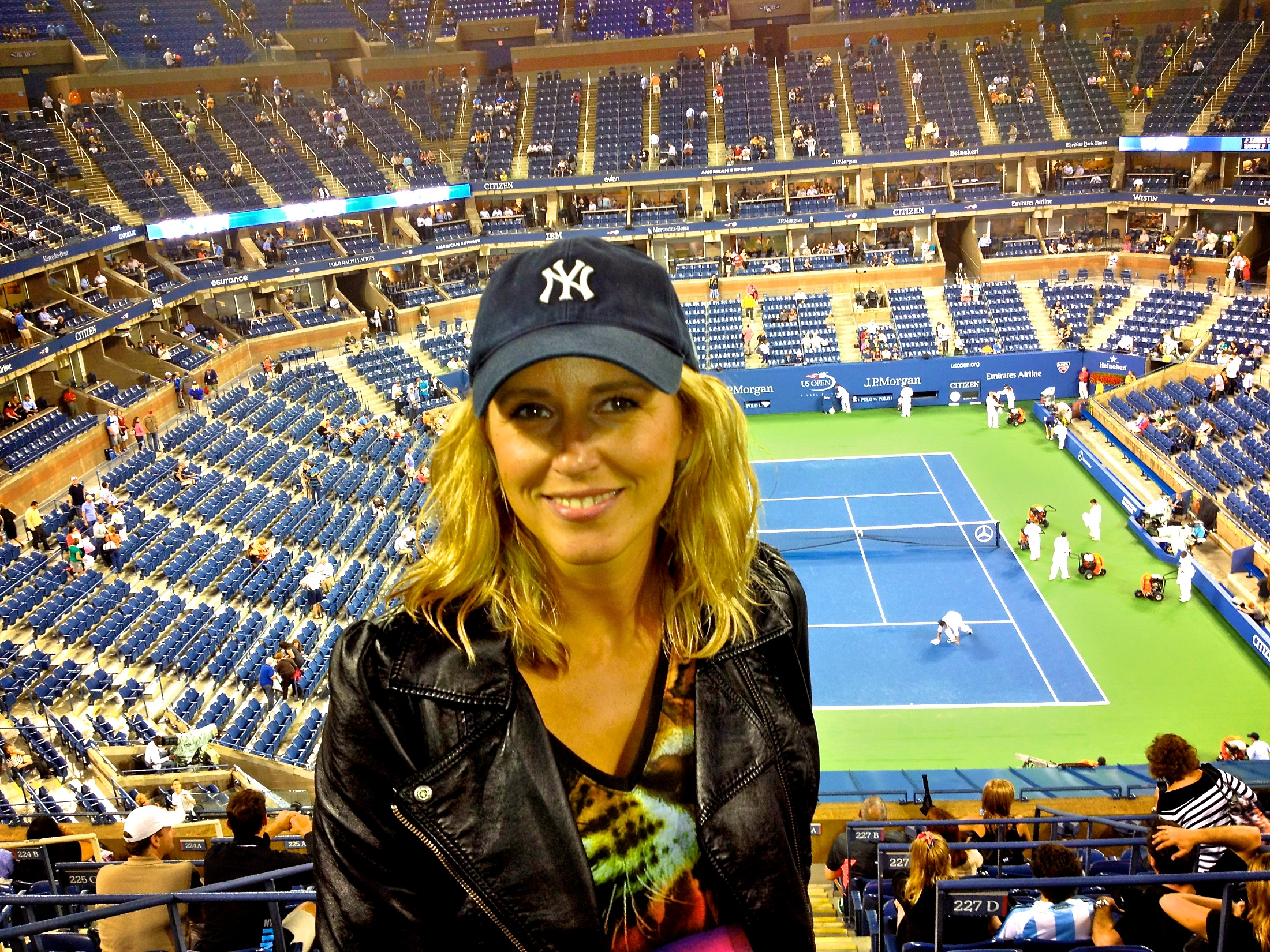 We love tennis groupies at the US open… and we love tennis of course! Here are 10 really great tips for your day at the US Open in Flushing Meadows: http://queens.about.com/od/usopen/tp/usopen_tips.htm